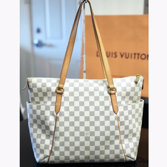Louis Vuitton Handbags - Louis Vuitton Totally MM Damier Azur Shoulder Bag
